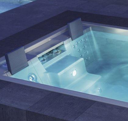 traumhafte schwimmb der f r au en im garten und innen im haus. Black Bedroom Furniture Sets. Home Design Ideas